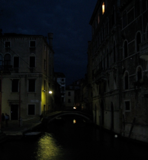 I loved Venice at night. . . I love this picture, but it's difficult to see. . . so I did an effect on the next one. . . but I like this original.